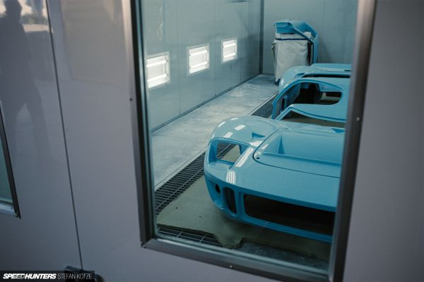 CAV Ford GT40 replica manufacturer builder factory official gulf oil blue paint livery color